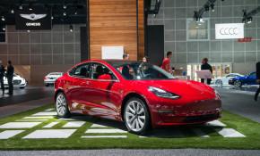 2017 Tesla Model 3, 2017 Los Angeles Auto Show