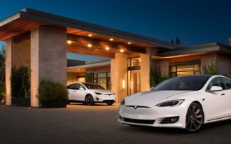 Tesla drops base Model S 60, 60D from lineup