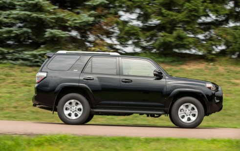 2017 Toyota 4Runner vs Jeep Grand Cherokee Jeep Wrangler
