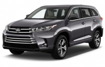 2017 Toyota Highlander LE Plus V6 FWD (Natl) Angular Front Exterior View