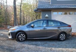 2017 Toyota Prius Prime: gas mileage, electric range review