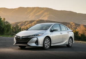 2017 Toyota Prius Prime plug-in hybrid: video road test