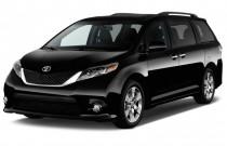 2017 Toyota Sienna SE FWD 8-Passenger (Natl) Angular Front Exterior View