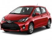 2017 Toyota Yaris 5-Door SE Manual  (Natl) Angular Front Exterior View