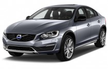 2017 Volvo S60 Cross Country T5 AWD Angular Front Exterior View