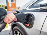 Automakers, electric utilities want electric-car tax credit extended