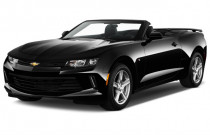 2018 Chevrolet Camaro 2-door Convertible LT w/2LT Angular Front Exterior View