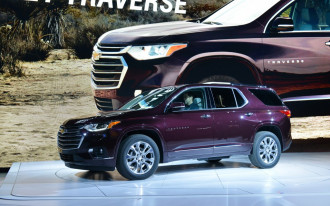 2018 Chevrolet Traverse vs. 2018 Buick Enclave: Compare Cars