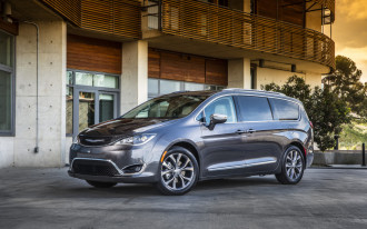 Chrysler Pacifica: The Car Connection's Best Minivan to Buy 2018