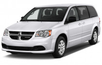 2018 Dodge Grand Caravan SE Wagon Angular Front Exterior View
