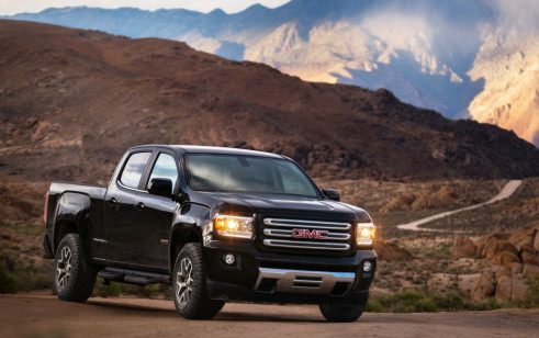 2018 gmc canyon vs chevrolet colorado gmc sierra 1500. Black Bedroom Furniture Sets. Home Design Ideas