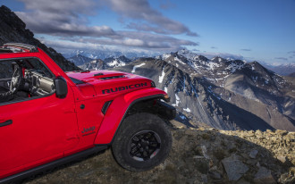 2018 Jeep Wrangler gets more expensive, Hyundai crossover spied, Mercedes goes electric: What's New @ The Car Connection