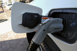 PG&E launches program to install 7,500 electric-car charging stations in California