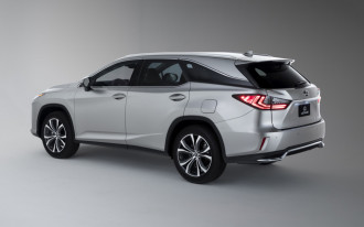2018 Lexus RX adds third row, 2018 Lexus LX takes it away