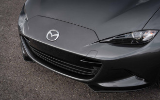 2018 Mazda 3 adds safety tech, drops F1-inspired