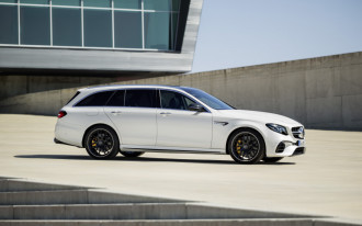 2018 Mercedes E-Class review, Ford Ranger Raptor debuts, Geneva show green car preview: What's New @ The Car Connection