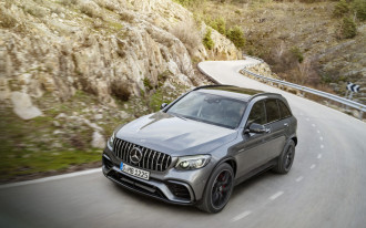 NHTSA crashes 2018 Mercedes-Benz GLC-Class, rates it five stars