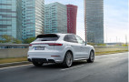 2019 Porsche Cayenne E-Hybrid: the subtly earthy type
