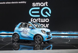 Smart to go all-electric worldwide by 2020: Daimler CEO