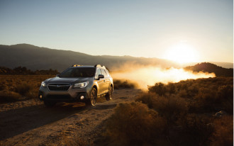 2018 Subaru Outback vs. 2018 Buick Regal TourX: Compare Cars