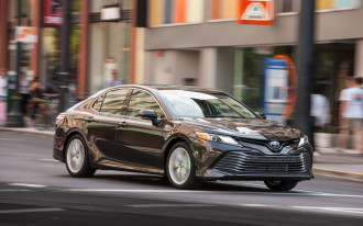 2019 Toyota Camry, Sienna add Apple CarPlay, Amazon Alexa