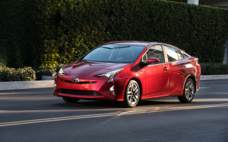 2019 Toyota Prius shuffles its trim levels