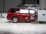 2018 Toyota Sienna in IIHS crash test