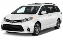 2018 Toyota Sienna XLE AWD 7-Passenger (Natl) Angular Front Exterior View