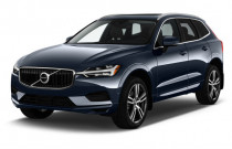2018 Volvo XC60 T5 AWD Momentum Angular Front Exterior View