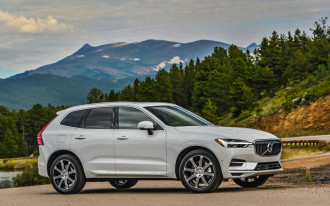 2018 Audi Q5 vs. 2018 Volvo XC60: Compare Cars