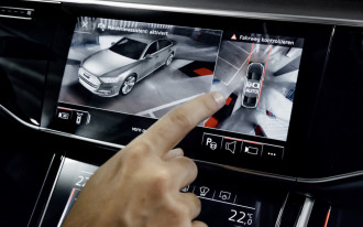 AAA: Infotainment systems increase distractions, risk of accidents