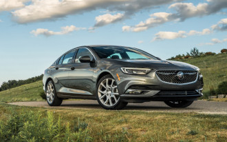 2019 Buick Regal Sportback Avenir: a mid-size, full-luxe...hatchback?