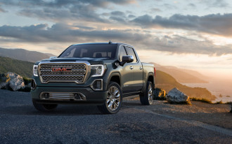 2019 GMC Sierra 1500 unveiled: carbon copy truck no longer