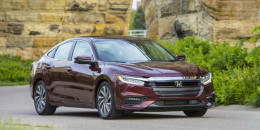 2019 Honda Insight hybrid sedan costs $23,725 to start