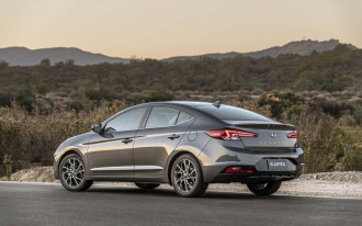 2019 Hyundai Elantra, Lyft's profitable self-driving taxi, EPA rolls back emissions: What's New @ The Car Connection