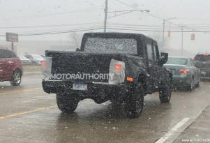 2019 Jeep Wrangler pickup (Scrambler) spy shots
