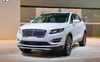 New 2019 Lincoln MKC sports updated face, crash-safety tech