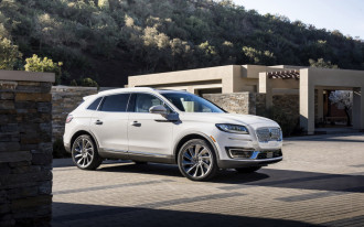 2019 Lincoln Nautilus starts at $41,335, online configurator now live