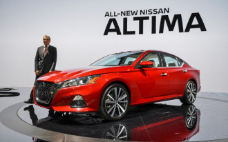 2019 Nissan Altima video first look: 2018 New York auto show