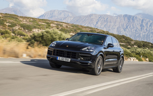 2019 Porsche Cayenne vs Jeep Grand Cherokee, Land Rover Range Rover ...