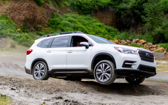 Subaru Ascent vs. Honda Pilot, BMW 7-Series leaks, Tesla breaks ground on China factory: What's New @ The Car Connection