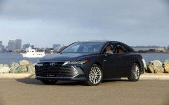 2019 Toyota Avalon, 2018 Mazda 6 earn good crash-test scores, mixed headlight results