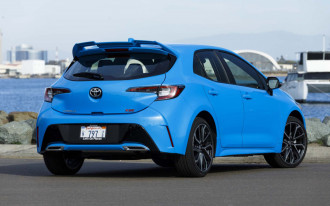 2019 Toyota Corolla Hatchback priced, McLaren 720S driven, Electric car market: What's New @ The Car Connection