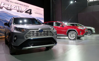 2019 Toyota RAV4, Lincoln Aviator, VW's California electric push: What's New @ The Car Connection