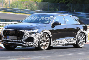 2020 Audi RS Q8 spy shots and video