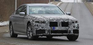 2020 BMW 7-Series facelift spy shots - Image via S. Baldauf/SB-Medien