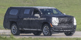 2020 Chevrolet Suburban spy shots - Image via S. Baldauf/SB-Medien