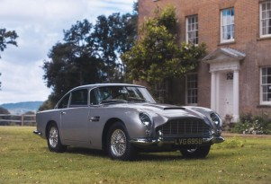 A 1964 Aston Martin DB5 was sold using Apple Pay and an app
