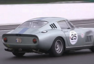 A Ferrari 275GTB driven in the rain at Spa