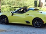 Alfa Romeo 4C Spider seen undisguised in Motor.es video